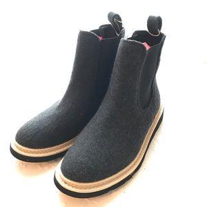 Universal Thread Felted Gray Sock Booties Sz 6.5